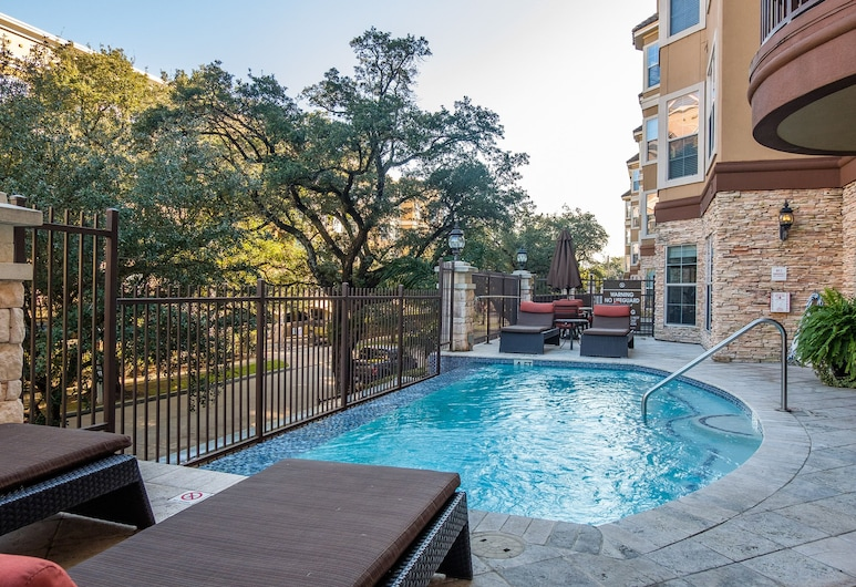 2 BR Apt w/ Wifi & Laundry by Frontdesk, Houston, Pool