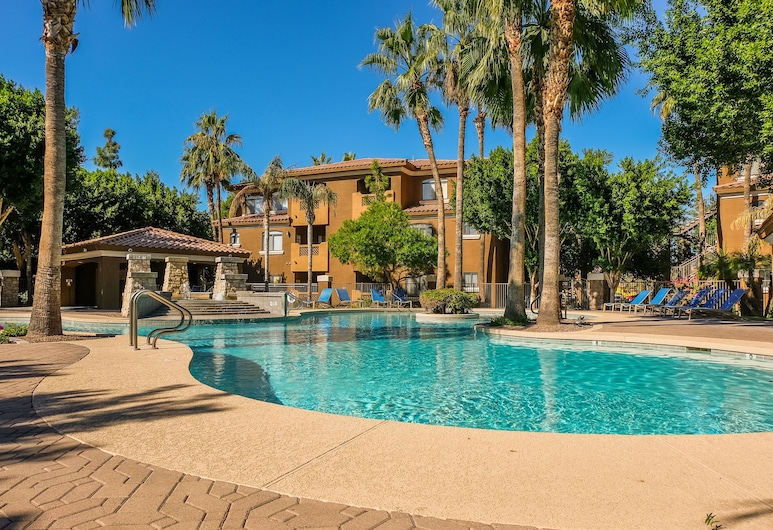 Trendy Apts with Parking by Frontdesk, Phoenix