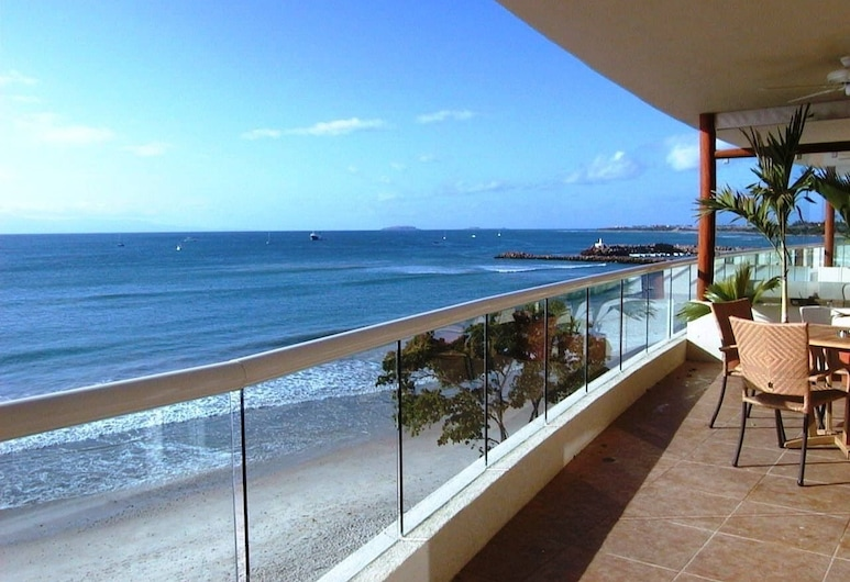 Absolute Beachfront Luxury Condo With Great Views, 蓬塔德米塔