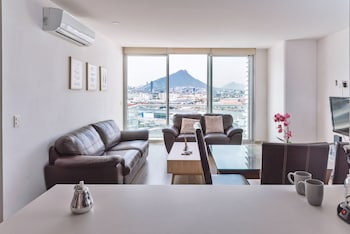 Gambar Apartment pool and gym. 6 pers. 1 KSB, 2SB, 1 TwinB, 2BTH by Mty. Living di Monterrey