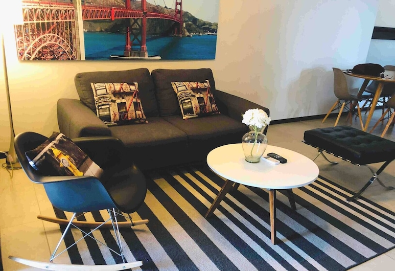 Depto. Seguro, Moderno y Acogedor en el Centro de Monterrey, Rec. 2 Baños. by Monterrey Living, 蒙特雷