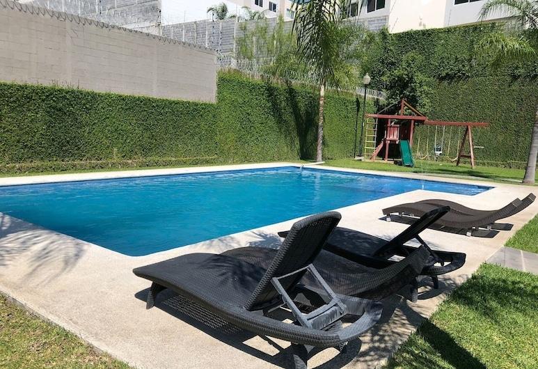 Casa Carretera Nacional C/alberca by Mty. Living, Monterrey, Outdoor Pool