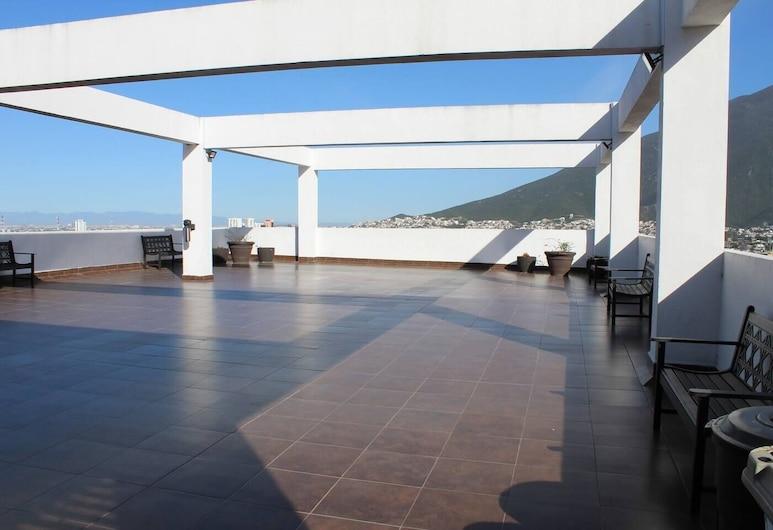 Loft Zona TEC, práctico c/vista C/gym, terraza 1KSB, 1 baño by Mty. Living (Danis), Monterrey, Terrace/Patio