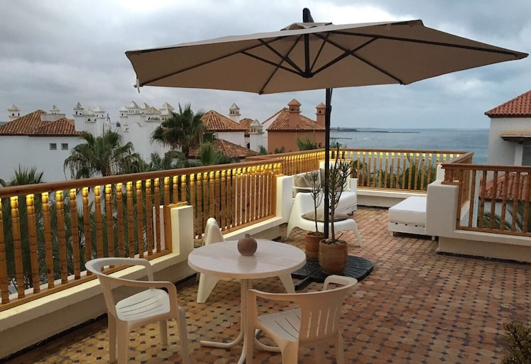 Magnificent Terrace On The Ocean In Bouznika Bay, คีร์รัท