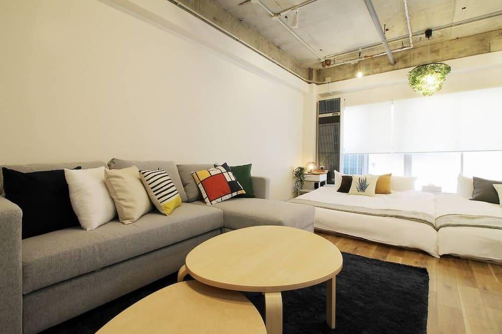 Condo, 1 Bedroom (202) - Living Room