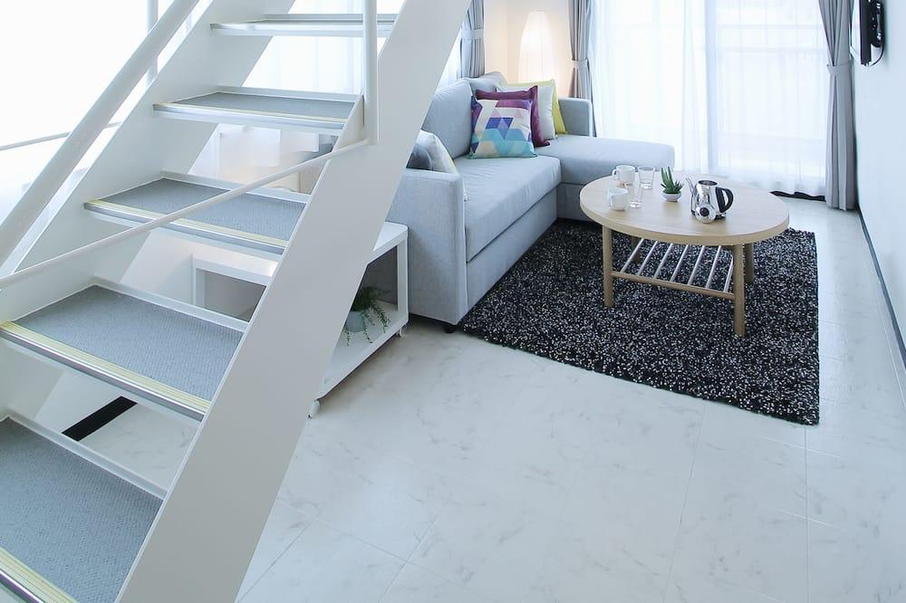 Condo, 1 Bedroom (803) - Living Area