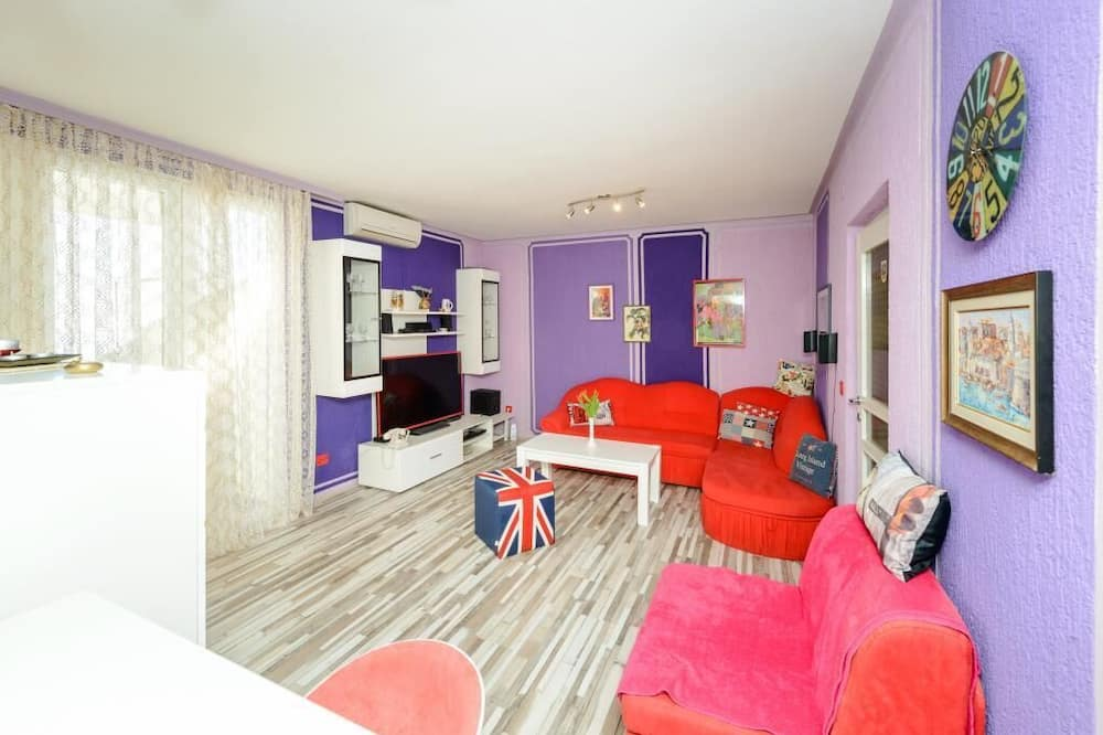 Apartment (One Bedroom Apartment with Balcony an) - Living Room