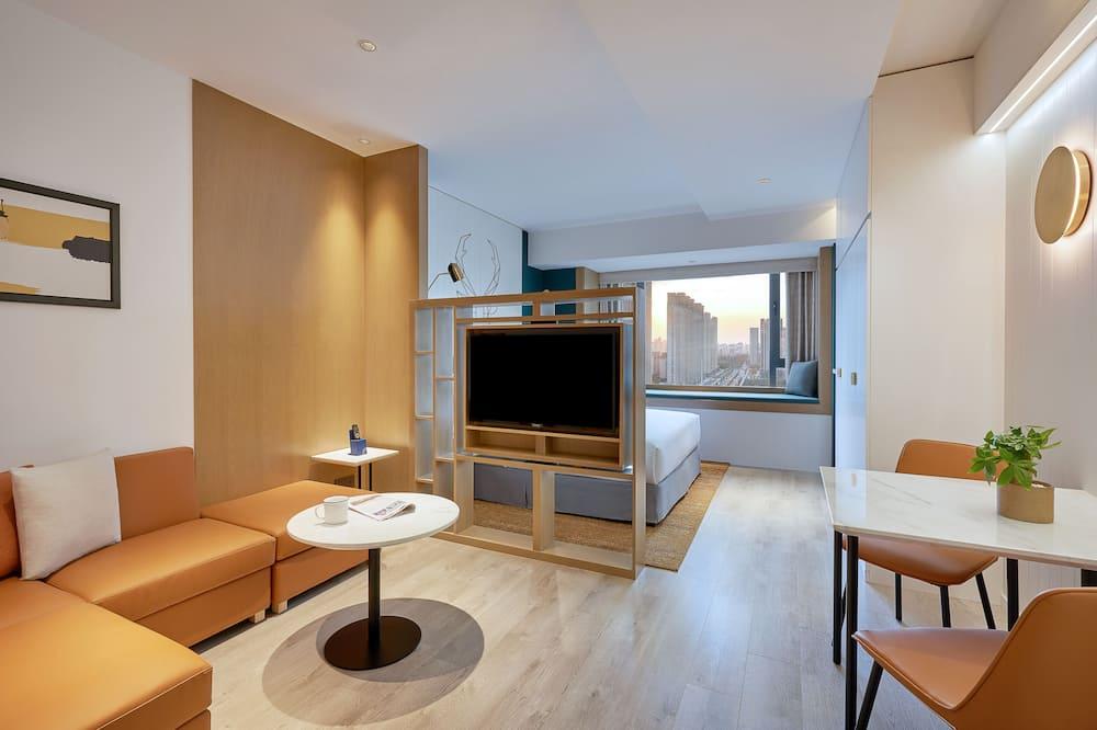 Studio, 1 King Bed - Living Area