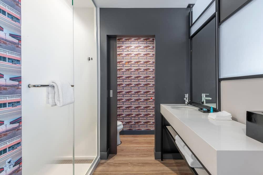 Room, 2 Queen Beds, Non Smoking (Savvy) - Bathroom