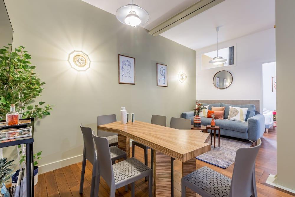 Executive Apartment - Living Room