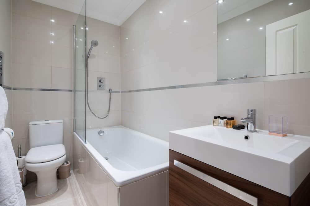 Apartment (2 Bedrooms) - Bathroom