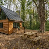 Alfriston Woodland Cabins - Foxes Hollow-hot Tub