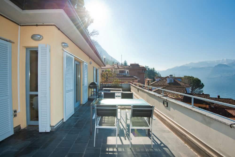 Family Apartment, 2 Double Beds, Refrigerator & Microwave (La Dolce Vita) - Balcony