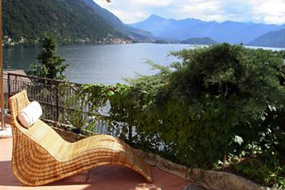Family Apartment, Multiple Beds, Garden Area (M on the Lake) - Terrace/Patio