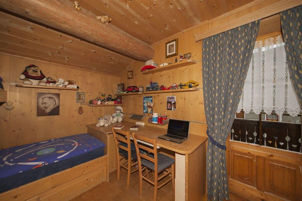 Family Apartment, Berbilang Katil, 2 Bathrooms, Garden Area (Azalea) - Bilik