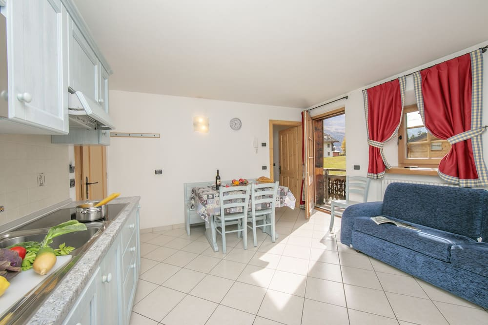 Family Apartment, Multiple Beds (Chianti) - Living Area