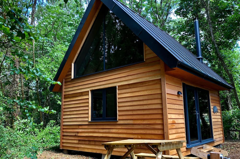 Alfriston Woodland Cabins - Badgers Rest