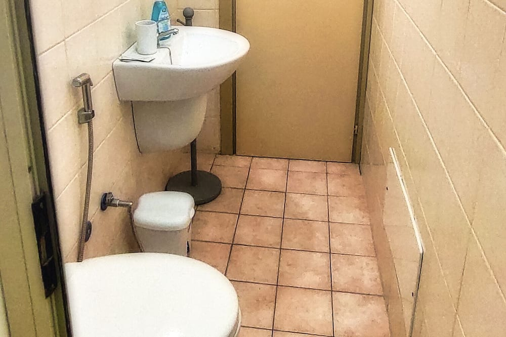 Trojlôžková izba typu Basic - Kúpeľňa