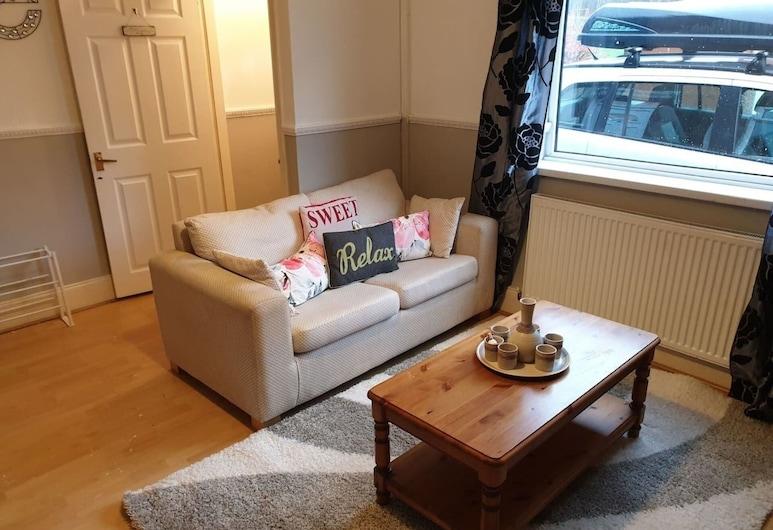 Grange Villa Hidden Gem House Near Chester le Stre, Chester-le-Street, House, Multiple Beds, Living Room