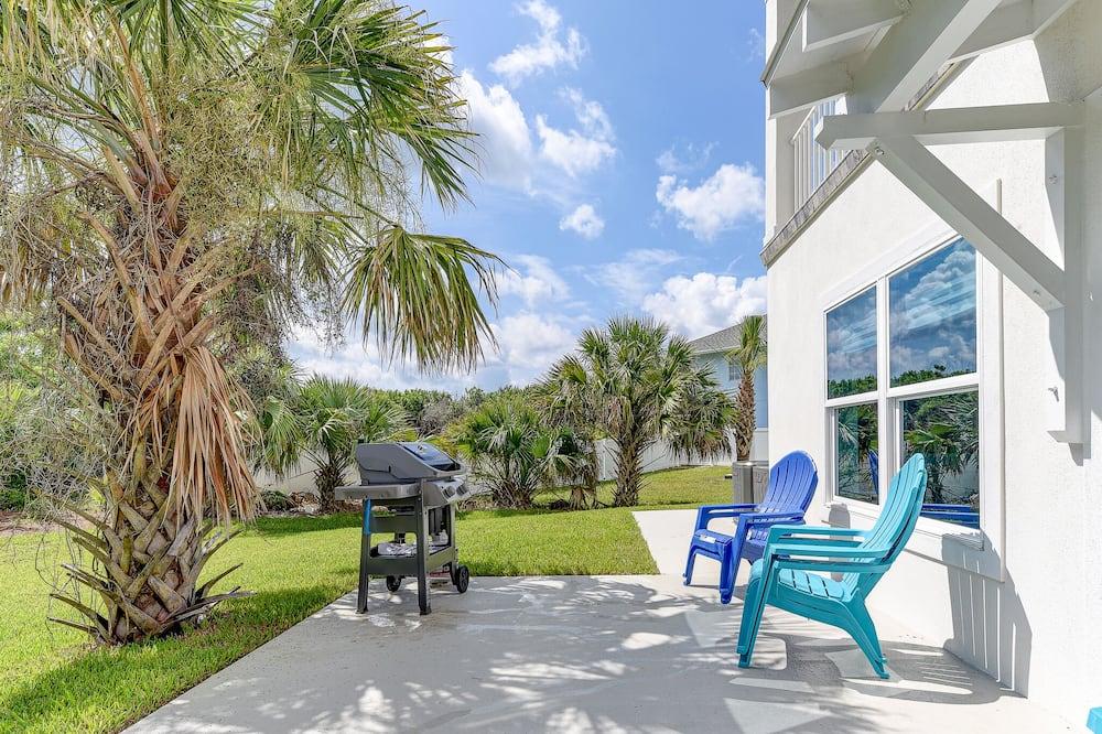 Atlantic Beach House by Vtrips