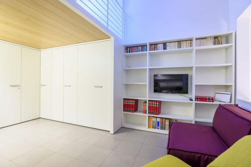 Duplex, 1 Bedroom - Television