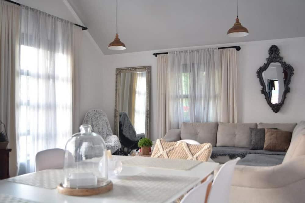 Design-lejlighed - Spisning på værelset