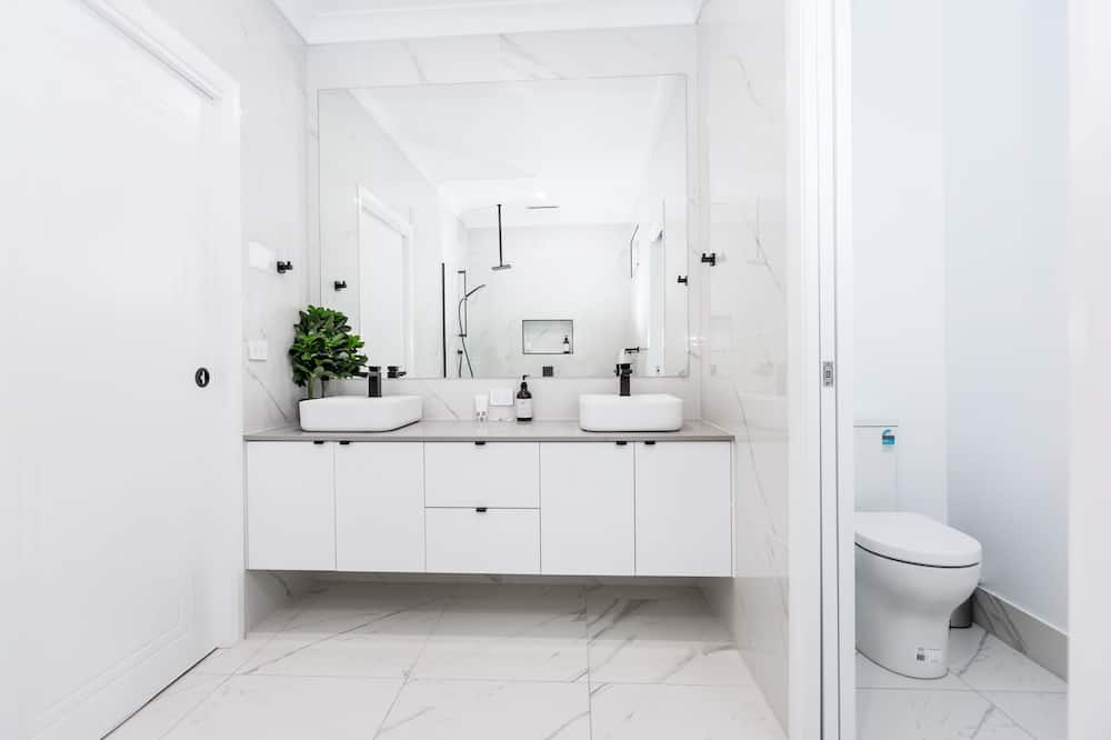 Розкішний будиночок, 4 спальні, 2 ванни - Ванна кімната