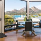 Luxury-Haus - Essbereich im Zimmer