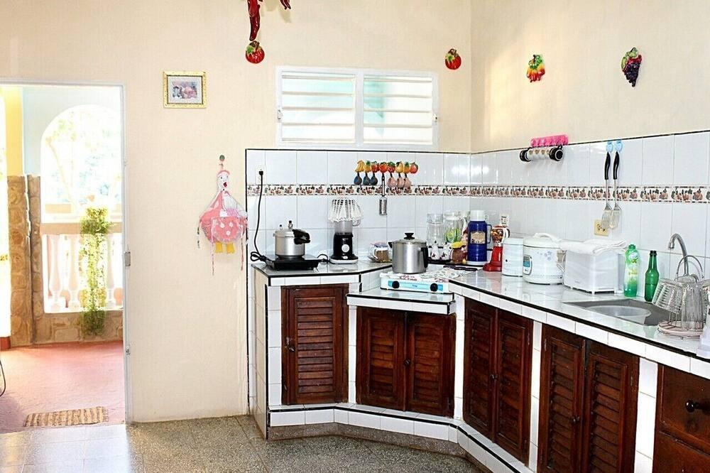 コンフォート 4 人部屋 - 共用キッチン