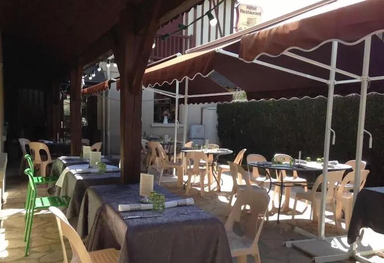 La P'tite Auberge, Lillebonne, Outdoor Dining