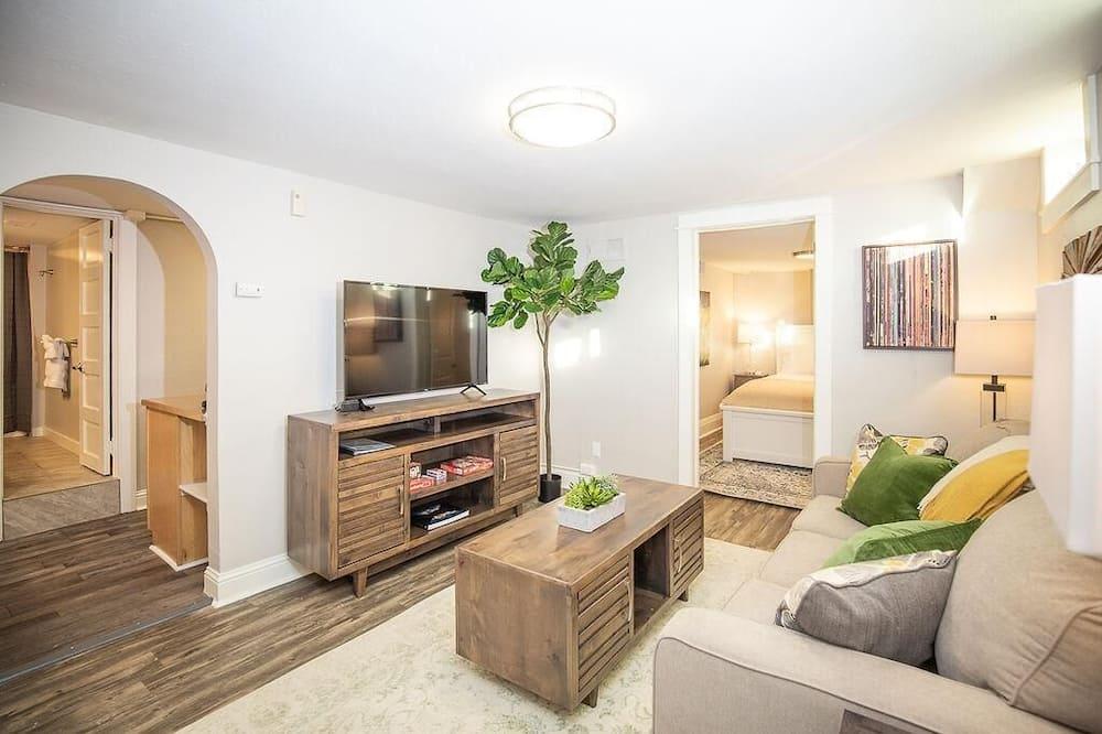 Dzīvokļnumurs, vairākas gultas (1534 10th Ave. - Lower) - Dzīvojamā istaba