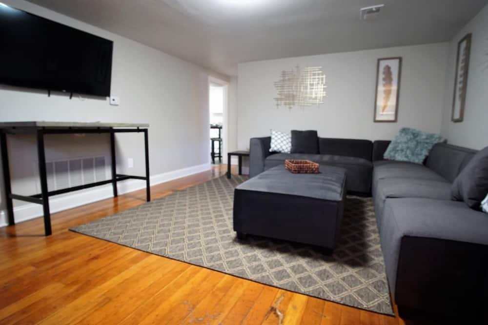 Апартаменти, багатомісний номер (915 23rd St. - Lower) - Вітальня