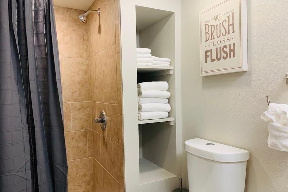 公寓, 2 張加大雙人床 (1944 B 7th Ave, US) - 浴室