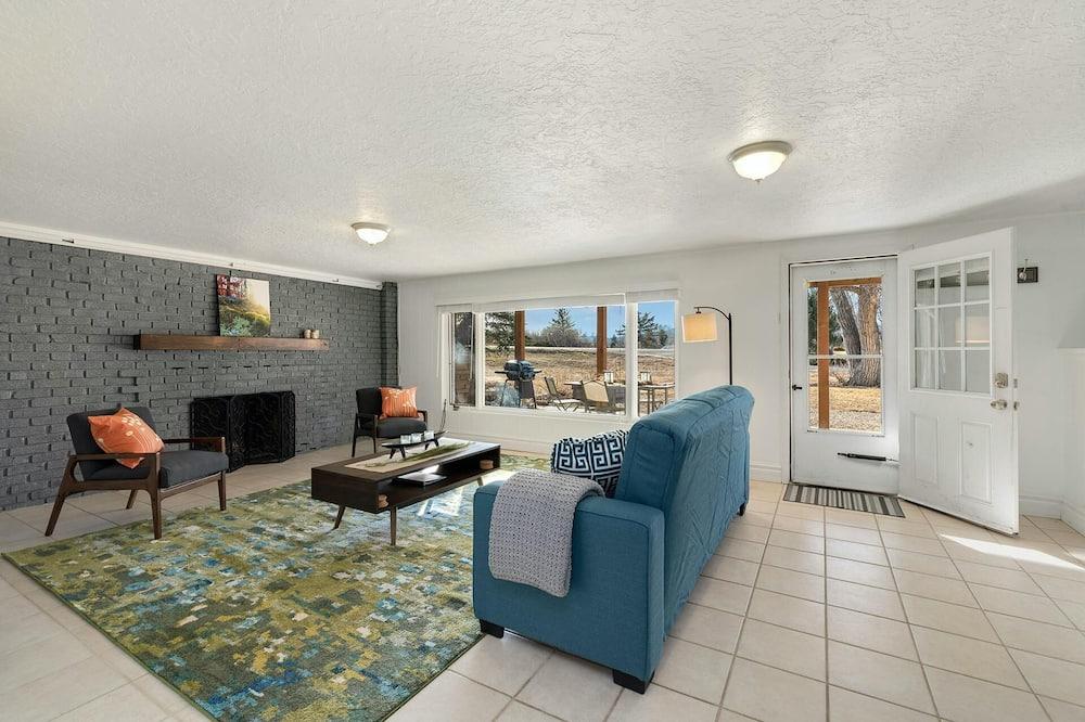 Ev, Birden Çok Yatak (626 Country Club Rd- Whole) - Oturma Odası