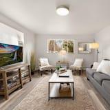 Lägenhet - flera sängar (220 Peterson St. (Unit 1)) - Vardagsrum