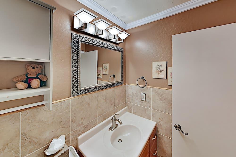 Cabin, 3 Bedrooms - Bilik mandi