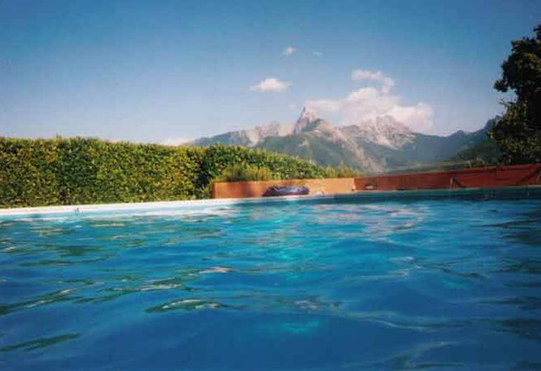 Detached 5 Bedroom Villa With Pool in Lunigiana in Northern Tuscany, Fivizzano, Varias