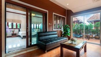Foto van Naiyang Beach - 3 Bedroom Pool Villa in Sa Khu