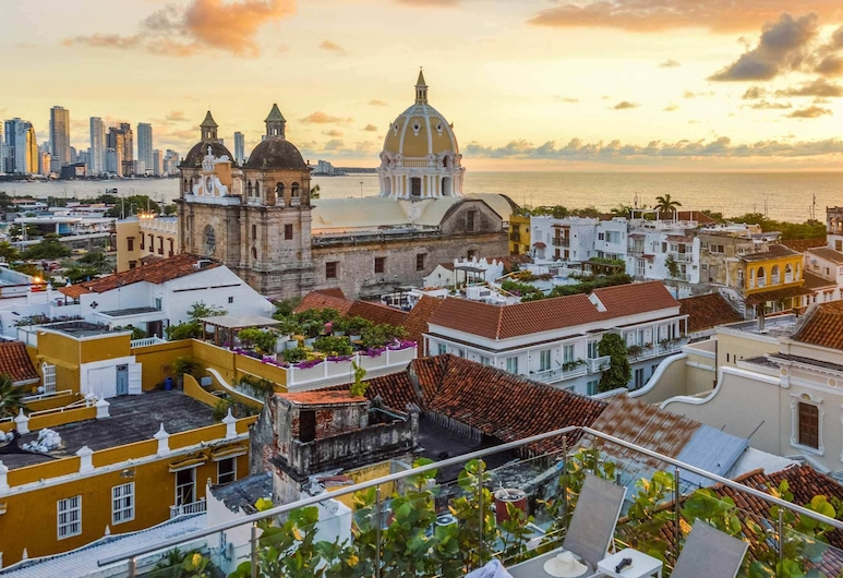 Study in the Old City of Cartagena E3m With Air Conditioning and Wifi, Cartagena
