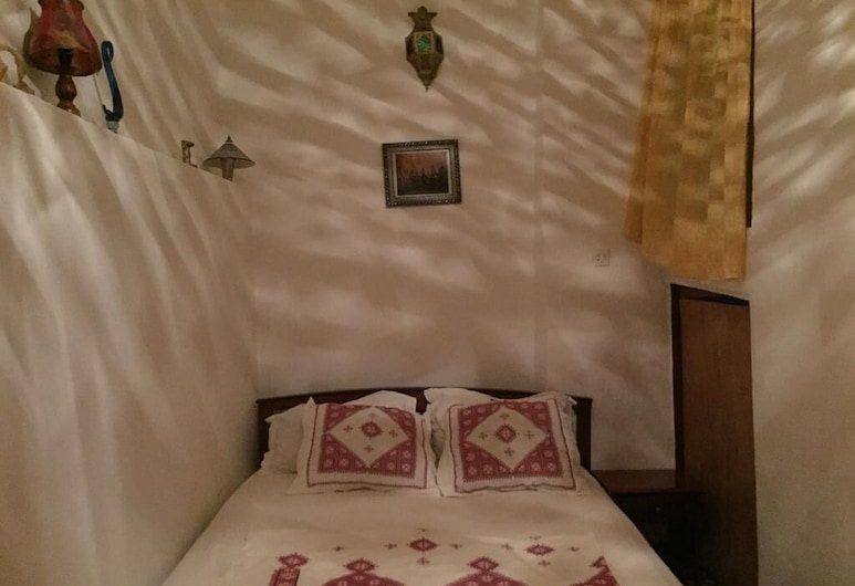 Cosy Room for 2 to 8 Peoples Inside Medina Fes El Bali, Fes