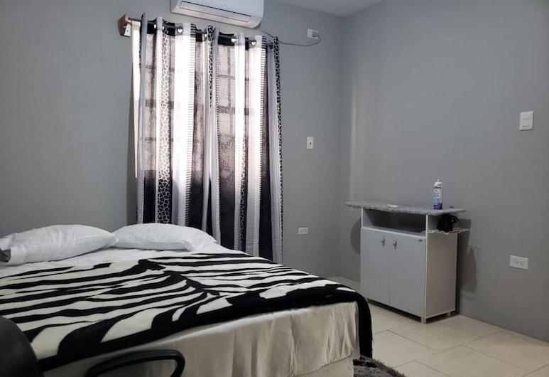 Your Cozy Tobago Getaway Destination - Wilsons Residence, Buccoo, Zimmer