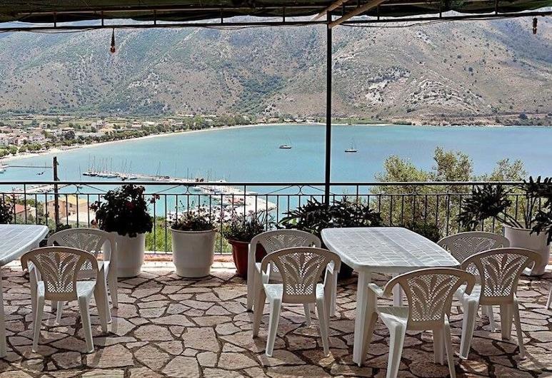 Panorama Ionio Studios & Apartments, Igoumenitsa, Terraza o patio