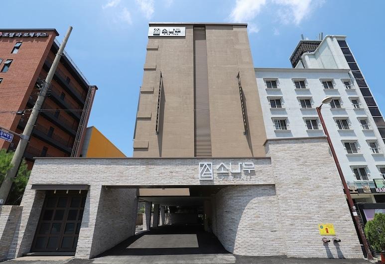 Chuncheon Sonamu Hotel, Chuncheon