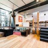 ハウス ベッド (複数台) (Trastevere Luxury Retreat) - リビング ルーム