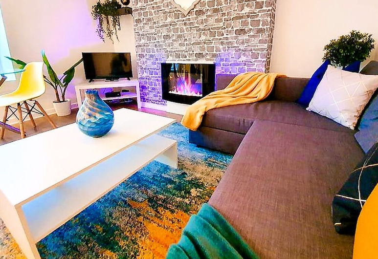 Fresh Contemporary Plymouth, Devon Getaway, Plymouth, Apartment, 1 Queen-Bett und Schlafsofa, Wohnzimmer