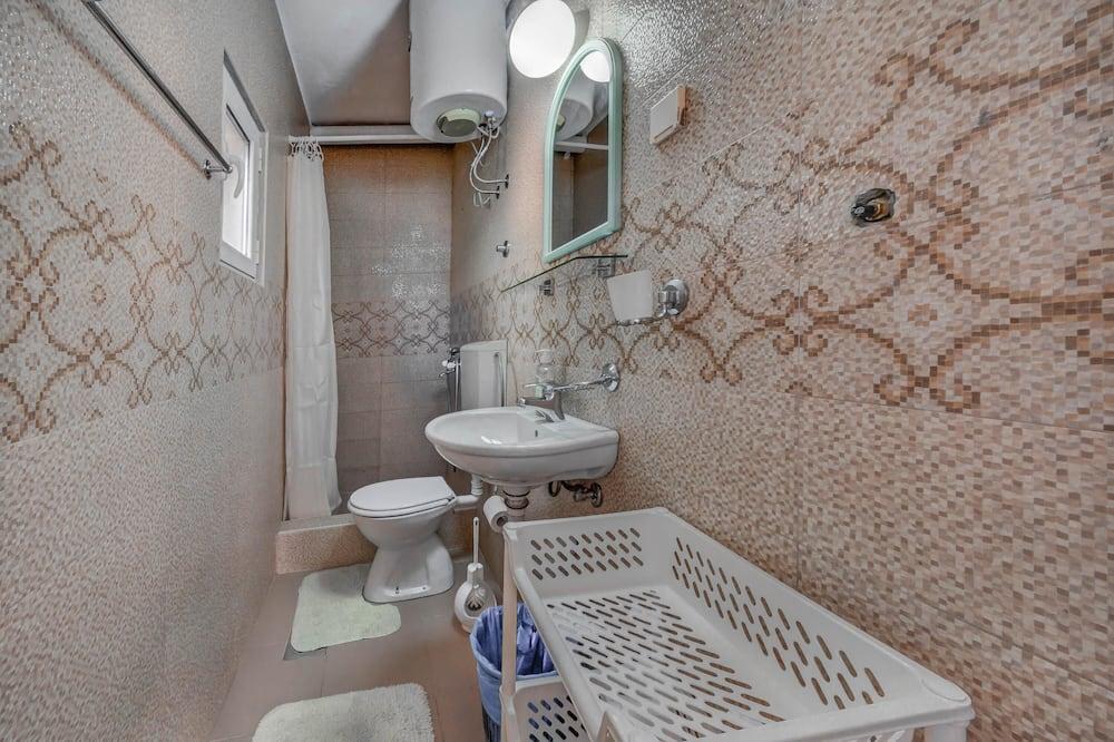 Studio cơ bản - Phòng tắm