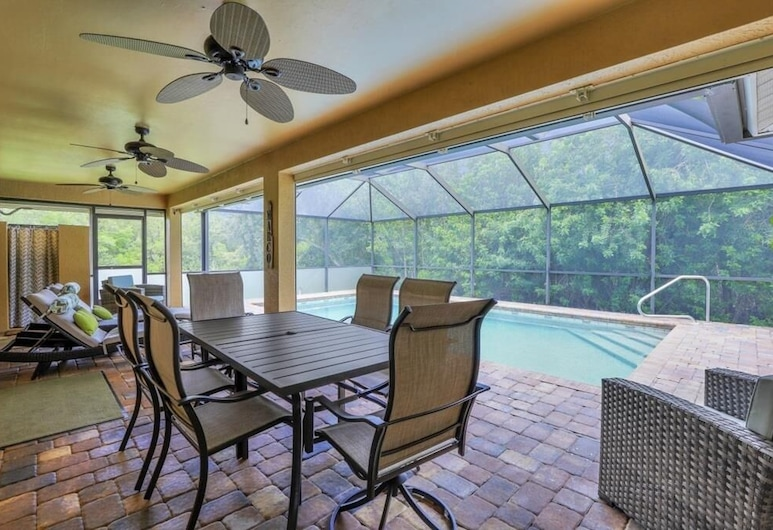 Dogwood Dr. 1879 Marco Island Vacation Rental 3 Bedroom Home, Marco Island