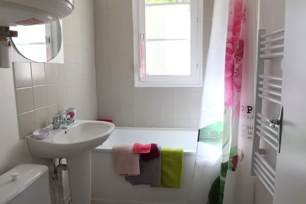 Basic Apartment, Ensuite - Bathroom