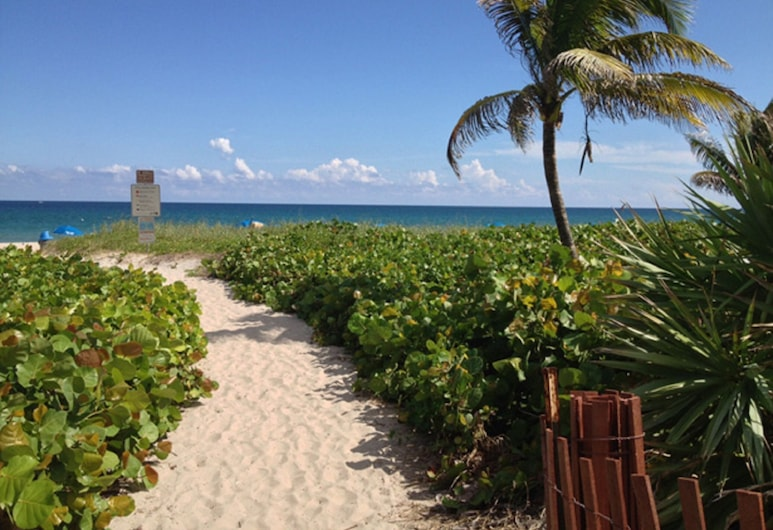 March OR Easter GET Away Delray Beach Steps TO Ocean, Wifi,park,htd Pool Sleeps4, Delray Beach, Pláž