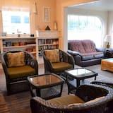 獨棟房屋, 多張床 (780 Beach Dr) - 客廳